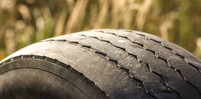 4 Signs Your Tyres Need Replacing
